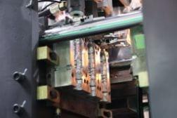 Máquina de moldeo por soplado con moldes