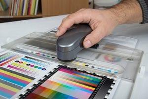 Farbregelung mit Spektralphotometer