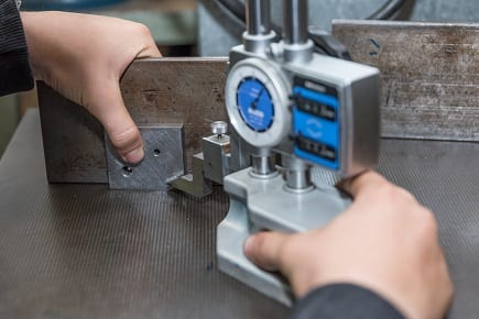 Metalurgia con un medidor de altura